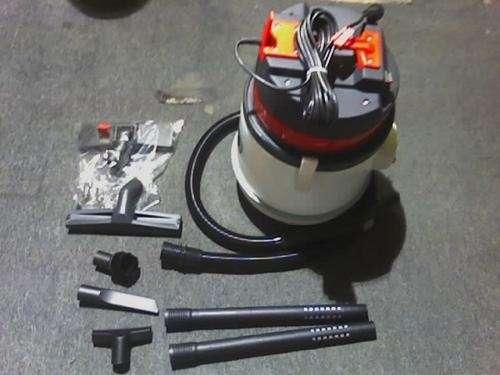 Aspiradora con filtro de agua con barredora karcher con bateria recargable k50