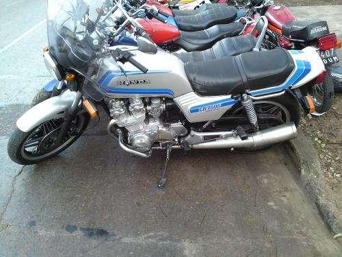 Honda cb 750 f md 81