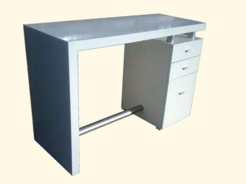 Mesa de manicuria frida