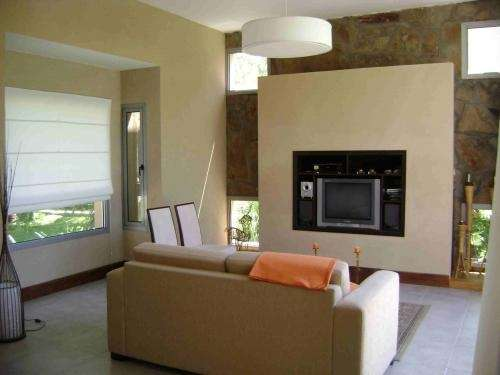 Vendo/alquilo exelente casa en pilar-campo grande
