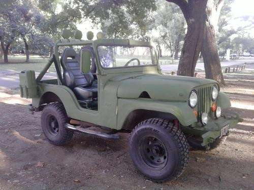 Muy bueno jeep ika 4x4 corto