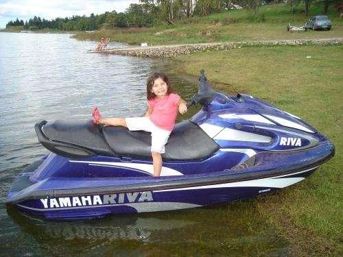 Vendo moto de agua yamaha.