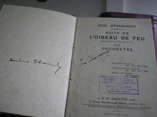 Partitura de stravinsky firmada por el mismo.