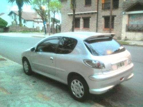 Vendo peugeot 206 modelo 2007 impecable tomo permuta