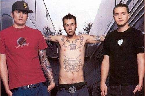 Guitarrista busca armar banda punk (la plata)