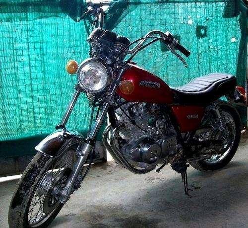 Suzuki gn250 vendo/permuto