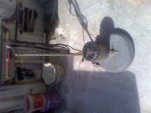 Vendo máquina de pulir piso
