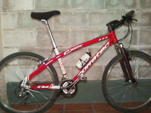 Bicicleta de descenso corratec