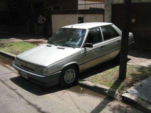 Vendo auto renault mod 1994 r 9 gtl