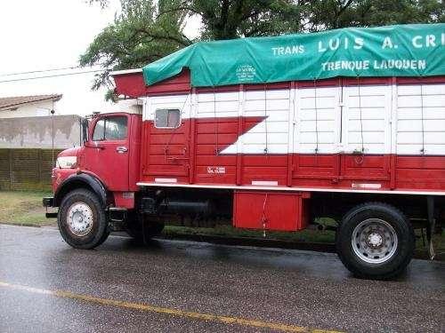 Vendo camion 1517 motor 1518 con caja