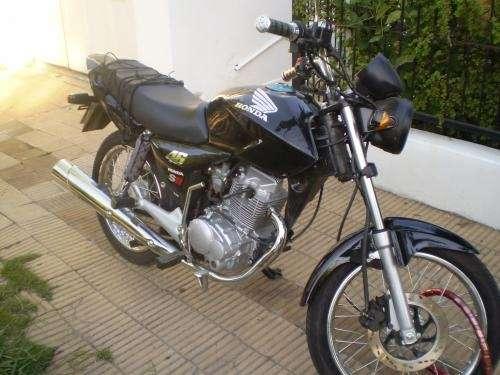 Vendo moto motomel c.g 150
