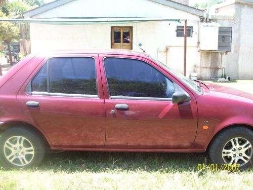 Vendo ford fiesta 1997 diesel $22000 estado muy bueno