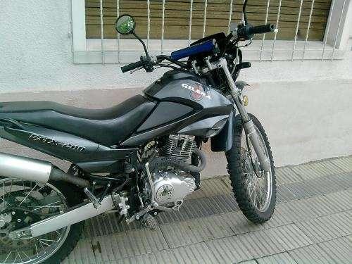 Vendo moto gilera enduro 200cc