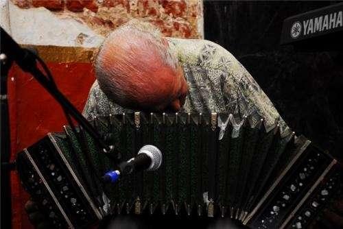 Flauta traversa-cello y violin busco