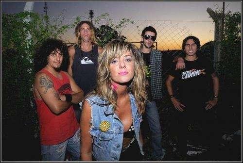 14 de mayo de 2011 toca seda carmin rock en zorba rock