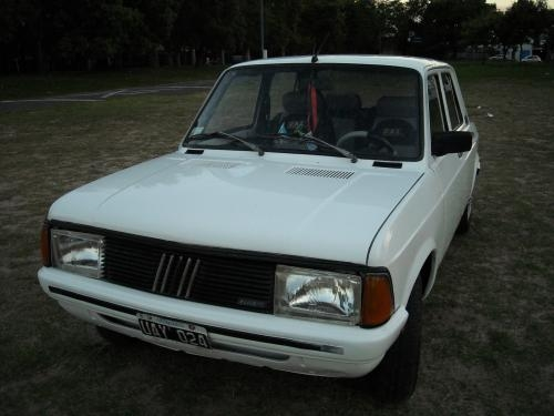 Vendo 128 s.e nafta 1984 impecable blanco