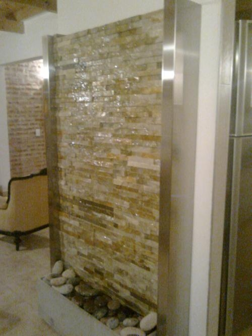 Fuentes de pared fuente realizada con piedra artificial - Fuentes de pared interior ...