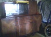 Vendo mueble enchapado con cristalero, buen estado general. $ 900.-