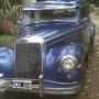 Aquí una joya para amantes de los autos antiguos...