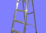 Escalera de Aluminio Modelo Tijera - 5 escalones - Altura 1.50 mts