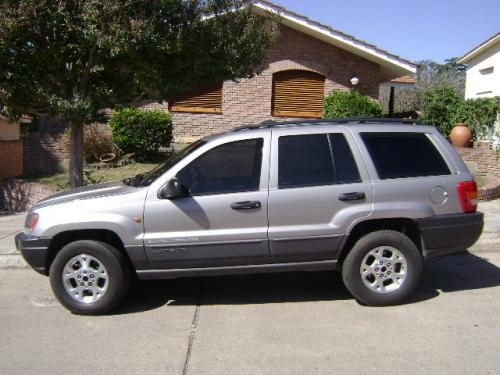 Jeep grand cherokee laredo diesel. exelente!!!