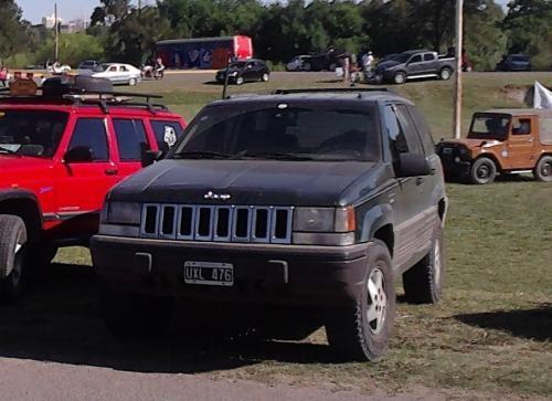 Camioneta jeep grand cherokee laredo 4x4 c/ gnc modelo 1994