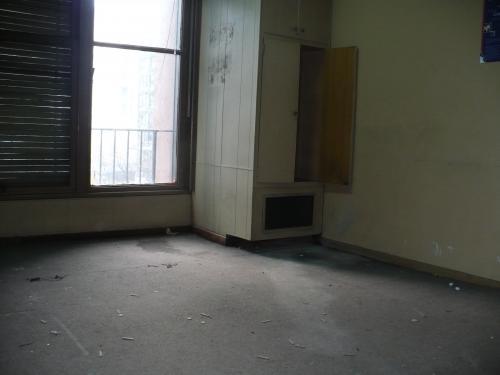 Alquiler oficina 160 m2. semi-piso 2 dspchos - gran area libre - frente