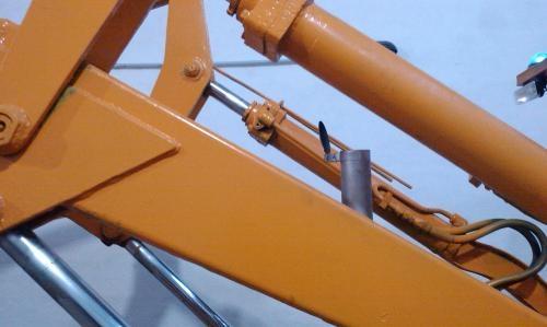 Fotos de Vendo cargadora frontal fiat crybsa mod 4504 original 3/4 m3 4