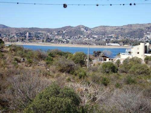 Lote en carlos paz en venta, con vista al lago, asfalto, villa del lago, oportunidad!