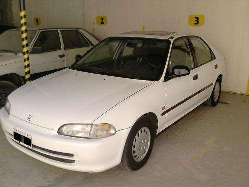 Honda civic 95 full, techo, aire, direccion, titular part.
