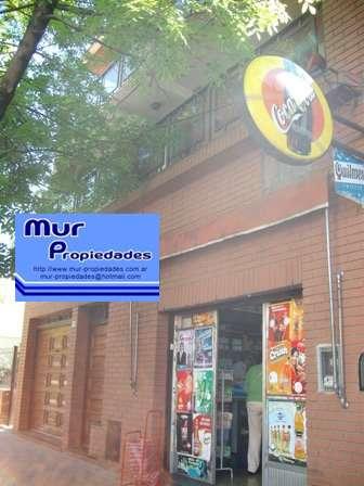 Venta casa 7 amb con local haedo al 2000, entre juan b. justo y j. navarro, a 2 cuadras av. centanario y estación beccar.
