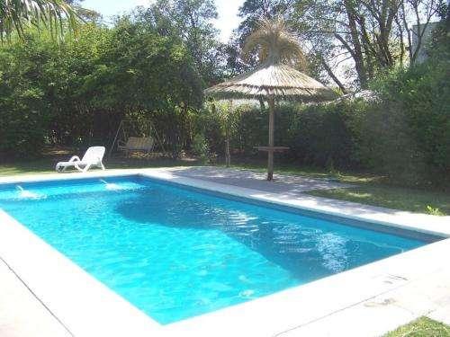 Casa quinta en la reja 3.600 mts2 de parque piscina quincho