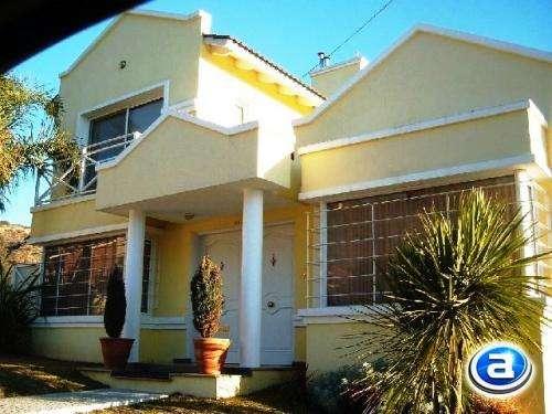 Casa en carlos paz en alquiler temporario, con pileta, de categoría, temporada 2015