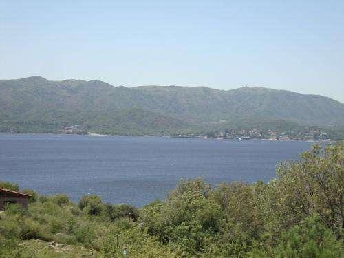 Gran terreno de 3.180 mt2 con vista al lago, villa playas - parque siquiman
