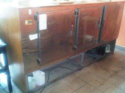 Fotos de Vendo heladera exhibidora horizontal 3 puertas 2