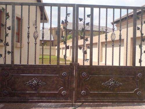 Portones de hierro fotos puertas de rejas de hierro en for Modelos de portones de hierro fotos