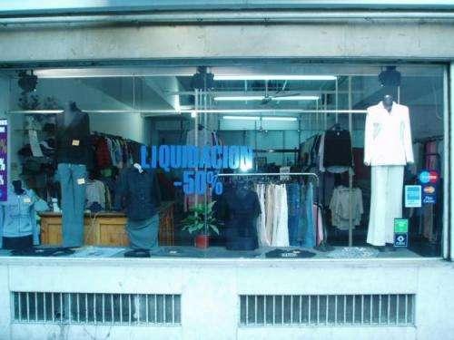 Distribuidor de ropa usada