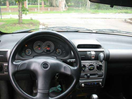 Vendo chevrolet corsa classic 3 puertas serie especial (full)