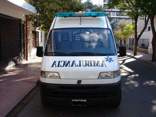Vendo ambulancia unidad coronaria completa!!!!!