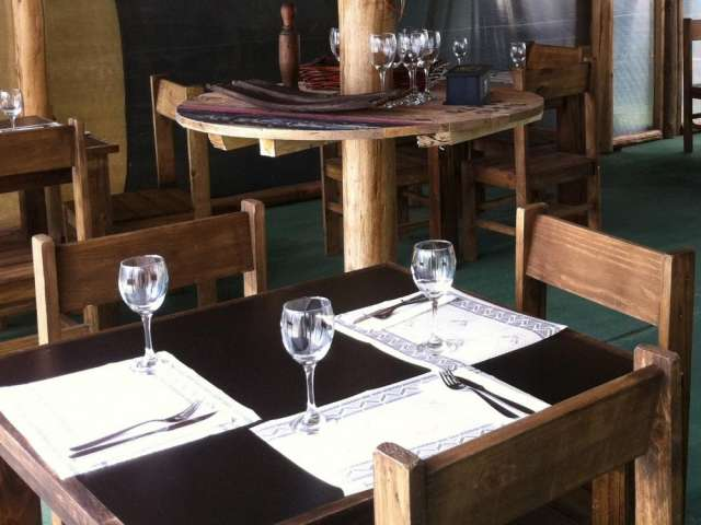 Vendo mobiliario bar - restaurant y heladera gafa vitrina vertical nueva !!!!