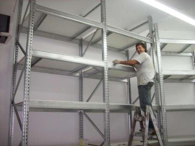 Estanterias racks usadas montacargas y cintas transportadoras.