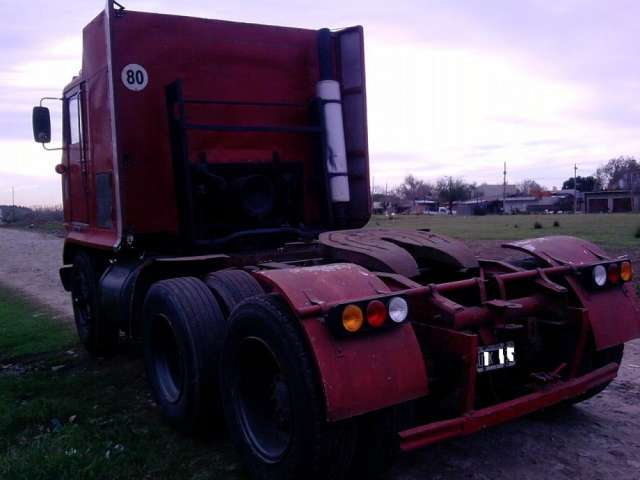 Vendo/pto camion tractor balancin, white (1974) papeles ok