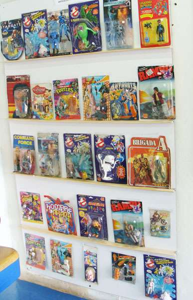 Compra venta juguetes antiguos (autos, trenes, aviones, muñecos)