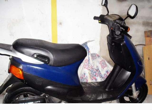 piaggio fast rider id e d 39 image de moto. Black Bedroom Furniture Sets. Home Design Ideas