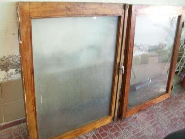 Ventana de madera doble hoja sin marco en Mendoza - Muebles | 722183.