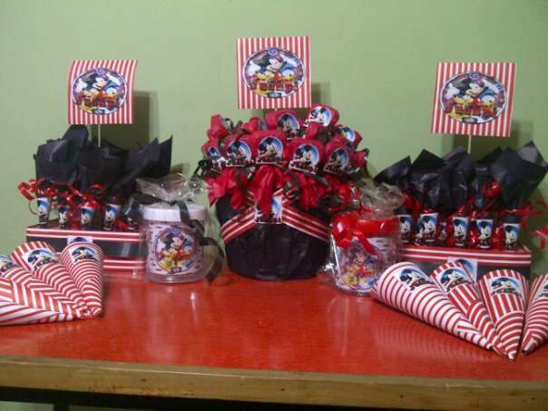 Detalles para eventos (souvenirs, mesas dulces, chocolates, cotillón)