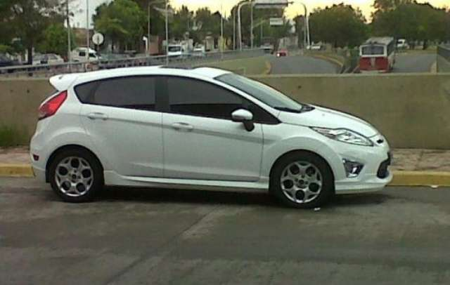 Ford Fiesta Kinetic Titanium 2012 Autos Y Otros Ford Cordoba Vende