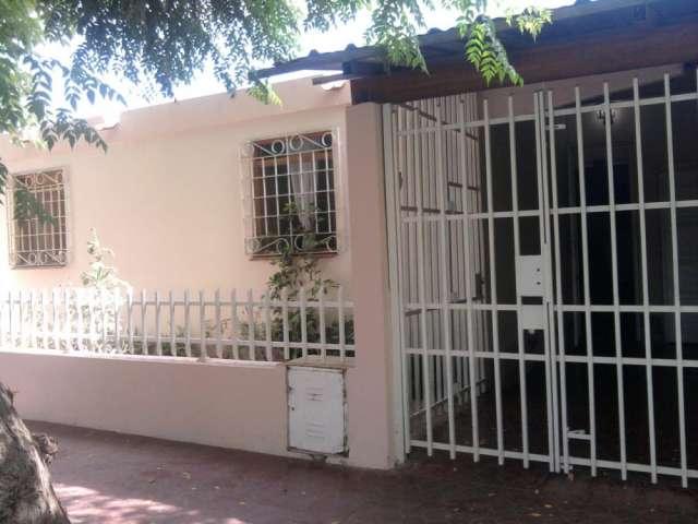 Venta casa guaymallen - calle curuzú cuatiá - tres dormitorios - muy buen estado