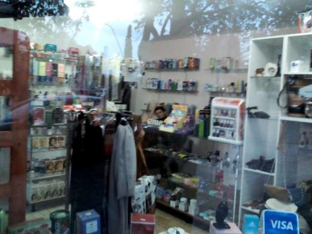 Fotos de Vendo urgente perfumeria y regaleria 5