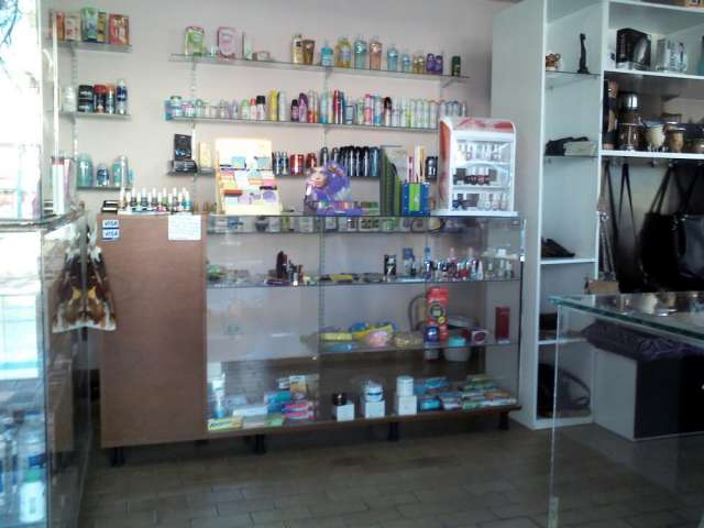 Fotos de Vendo urgente perfumeria y regaleria 2